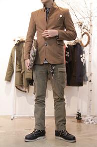 Camel Clip Point Wool Blazer<br>탈부착 가능한 클립 디테일<br>울소재로 겨울용 블레이저