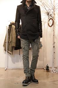 Grey Wool Leather Mix Coat<br>울 80%의 이중지 원단<br>뛰어난 보온성, 레더믹스