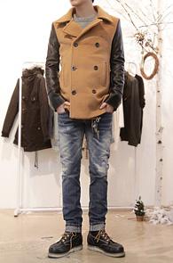 Beige Wool Leather Mix Coat<br>울 80%의 이중지 원단<br>뛰어난 보온성, 레더믹스