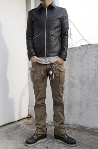 마지막수량 한점남았습니다<br>Black Hidden Collar Leather Jacket<br>카라 탈부착 가능,두가지 느낌 연출<br>최상급 페이크 레더 소재 사용