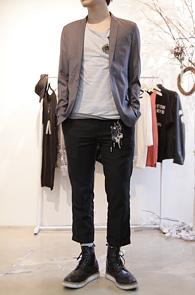 Basic Simple Blazer Jacket<br>슬림한 라펠, 베이직한 핏<br>가장 기본적인 그레이 블레이저