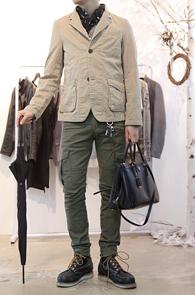Beige Two Button Blazer Jacket<br>워싱된 베이지 코튼 소재<br>독특한 느낌의 투버튼 블레이저 자켓