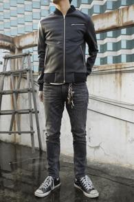 Black Leather Blouson Jacket<br>페이크 레더 소재, 블루종 타입<br>무난하게 착용이 가능한 레더자켓