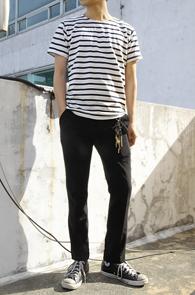 Simple Stripe T-Shirts Black<br>코튼소재, 스트라이프 디자인<br>여름철 활용도가 높은 단가라티