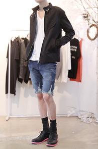 Black Cotton Color Mix Blouson<br>블랙 컬러, 코튼 소재<br>부담없이 착용이 가능한 블루종