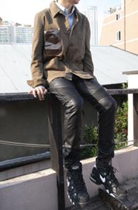 Leather Point Khaki Work Jacket<br>카키컬러,두꺼운코튼소재<br>가슴부분 가죽포인트의 워크자켓