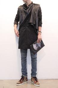 Black Leather Vest Trench Coat<br>코튼, 페이크 레더소재<br>여러가지 형태로 코디가 가능한 코트<br>마지막수량 세일!