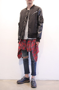 Black Leather Mix MA-1 Jacket<br>블랙컬러, 레더믹스 소재<br>깔끔한핏과 디자인이 멋스러운 MA-1 자켓
