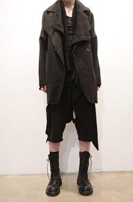 마지막수량 한점남았습니다<br>Black Over Fit Wool Coat<br>두툼한 울소재, 겨울용 자켓<br>오버핏의 아방가르드한 울코트