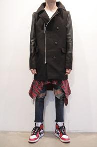 Black Leather Mix Zipper Coat<br>블랙컬러, 팔부분 레더 믹스<br>지퍼부분이 포인트가 되는 코트