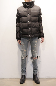 Black Two Tone Sheep Wool Down Jacket<br>양털 디테일, 웰론 안감<br>높은 보온성과 고퀄리티의 다운자켓<br><font color=#CC9933>MD의 추천 상품