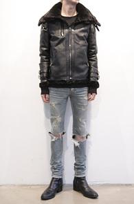 Black Fake Leather Mouton Jacket<br>블랙컬러, 페이크레더소재<br>슬림한 핏의 레더 무스탕자켓