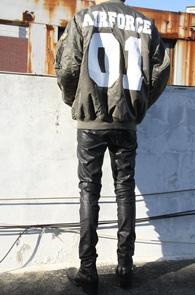 Khaki Original Fit MA-1 Jacket<br>카키 컬러, 오리지널 핏<br>프린팅이 멋스러운 MA-1 자켓