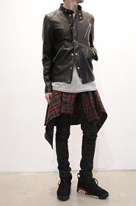 Black Leather Blouson Type Jacket<br>블랙컬러,페이크레더소재<br>여러가지로 스타일링이 가능한 레더자켓
