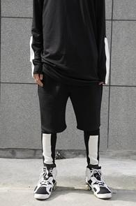 Black Color Combination Leggings<br>블랙과 화이트 배색<br>유니크한 디자인의 레깅스