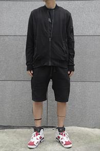 Black Simple Stitch Zipup Jacket<br>블랙컬러, 코튼소재<br>깔끔한 디자인의 집업 블루종