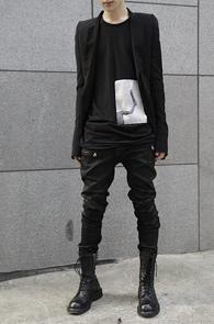 Black Wax Coating Biker Pants<br>왁스코팅 원단, 바이커 디테일<br>블랙컬러의 코팅 바이커 팬츠