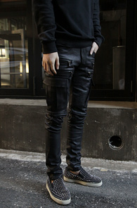 Black Double Zip Coating Biker Pants<br>블랙컬러의 코팅가공 원단<br>고퀄리티의 코팅 바이커 팬츠