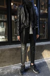 Black Goat Skin Biker Jacket<br>송아지 가죽 소재, 바이커 디테일<br>바이커타입의 라이더 자켓