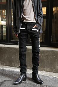 Black Side Line Biker Denim<br>사이드 배색 디테일, 데님소재<br>유니크한 스타일의 데님팬츠