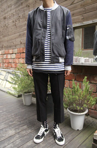 Grey Color Mix Wool MA-1 Jacket<br>그레이와 네이비의 배색디자인<br>적당한 두께감의 항공점퍼