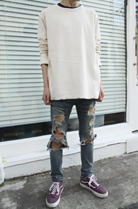 Ivoey Reversible Over FIt T-Shirts<br>아이보리컬러의 리버시블 디자인<br>루즈한 핏감이 돋보이는 오버핏 티셔츠
