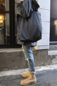 Nylon Black Eco Bag<br>블랙컬러의 나일론소재<br>가볍게 활용하기 좋은 에코백