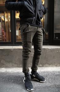 2 Color Basic Slim Cargo Pants<br>신축성있는 코튼 소재<br>두가지 컬러로 전개되는 카고팬츠