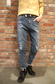 Mid Blue Washing Denim Pants<Br>중청톤의 색감, 워싱컬러감<br>자연스러운 데미지 처리의 데님팬츠