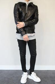 Black Fake Leather A-2 Jacket<Br>블랙컬러, PU 페이크 레더 소재<BR>A-2 타입의 베이직한 레더자켓