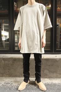 Khaki Jumbo T-shirts<br>카키 점보 티셔츠<br>오버핏 실루엣,트렌디한 착용감