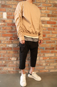 Beige Twill Sweat Shirts <br>트윌 스&#50939; 셔츠<br>코튼 소재,숏트한 기장감