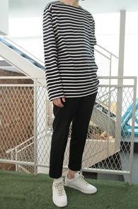Long Sleeve Stripe T-shirts Navy<br>기본 10수 단가라 티셔츠<br>베이직한 실루엣,기본 4계절 아이템