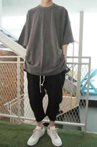 Grey Crew Neck Over T-shirts<br>그레이 컬러, 크루넥<br>박시한 핏감의 오버 티셔츠