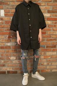 Black Box Fit Shirts<Br>박시한 핏감, 블랙컬러<br>얇은원단의 블랙 박스 셔츠