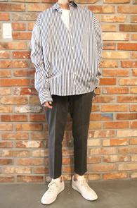 Stripe Box Fit Banding Shirts<br>박시한 핏감, 스트라이프 패턴<br>소매 밴딩 디테일의 박스핏셔츠