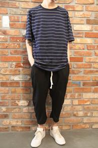 Navy Basic Stripe T-Shirts<br>스트라이프 패턴,코튼소재<br>기본에 충실한 박스핏 단가라티