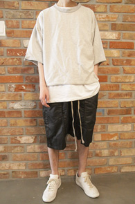 Reversible 2 Color Box T-Shirts<Br>크롭트기장감, 블랙그레이 컬러<br>크롭 기장감의 레이어드용 티셔츠