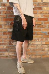 Black Line Half Pants<br>블랙컬러, 끈 디테일<br>편안한 착용감의 밴딩 하프팬츠