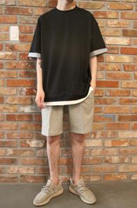 Black Layered Roll-up T-Shirts<br>조직감이 튼튼한 그레이 소재<br>박시한 핏감의 레이어드 티셔츠