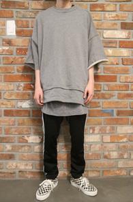 Gray Layered Cutting T-Shirts & Pants<br>그레이컬러, 컷팅 디테일<br>레이어드 디테일이 돋보이는 세트