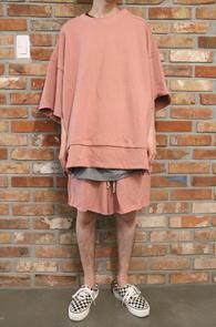Pink Layered Cutting T-Shirts & Pants<br>핑크컬러, 컷팅 디테일<br>레이어드 디테일이 돋보이는 세트
