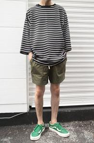 2 Color Box Fit Stripe T-Shirts<br>블랙과 그레이 두가지 컬러<br>박시한 핏감의 스트라이프티셔츠