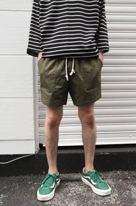 Pocket Short Banding Pants Khaki<br>포켓디테일, 허리 밴딩 디테일<br>숏트한 기장감의 하프팬츠