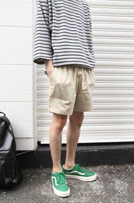 Pocket Short Bading Pants Beige <Br>포켓디테일, 허리 밴딩 디테일<br>숏트한 기장감의 하프팬츠
