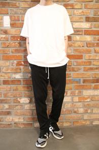 White Color Pigment T-Shirts<br>화이트 컬러 피그먼트 소재<br>유니크한 소재감의 피그먼트 티셔츠