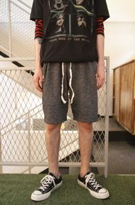 Dark Grey Zipper Half Pants<br>다크그레이 컬러, 지퍼 디테일<br>편안한 착용감의 하프팬츠