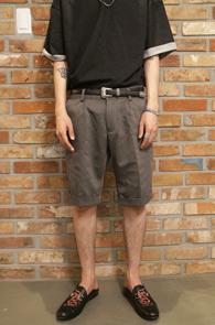 Gray Zipper Half Slacks<br>베이직한 디자인,블랙컬러<br>지퍼디테일이 멋스러운 슬렉스