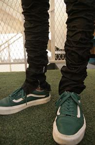 Black Banding Shirring Zipper Pants<br>블랙컬러, 허리 밴딩처리<br>셔링 디테일이 돋보이는 지퍼팬츠
