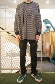 Black Stripe Over Fit T-Shirts<br>스트라이프 패턴,박시한 핏감<br>오버핏으로 제작된 단가라티